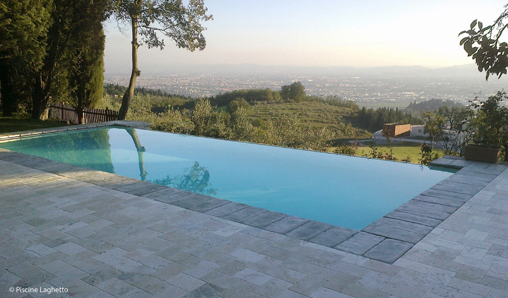 Realizzazione piscine interrate a sfioro mondo acqua srl - Foto piscine interrate ...